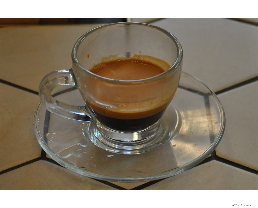 I tried the Café Zee house-blend as an espresso: smooth & easy, but surprisingly complex.