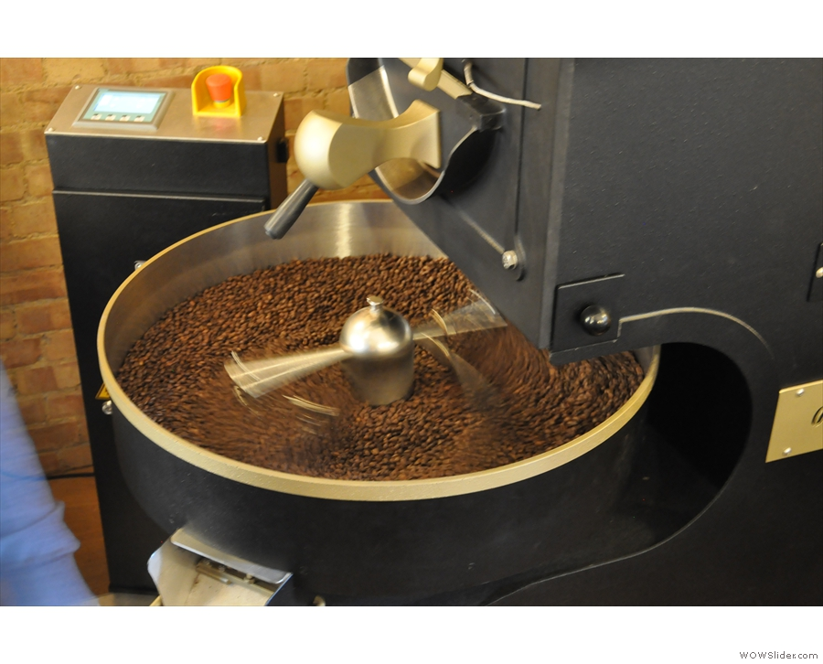 The rotary arms keep the beans moving and ensure they're exposed to the air.
