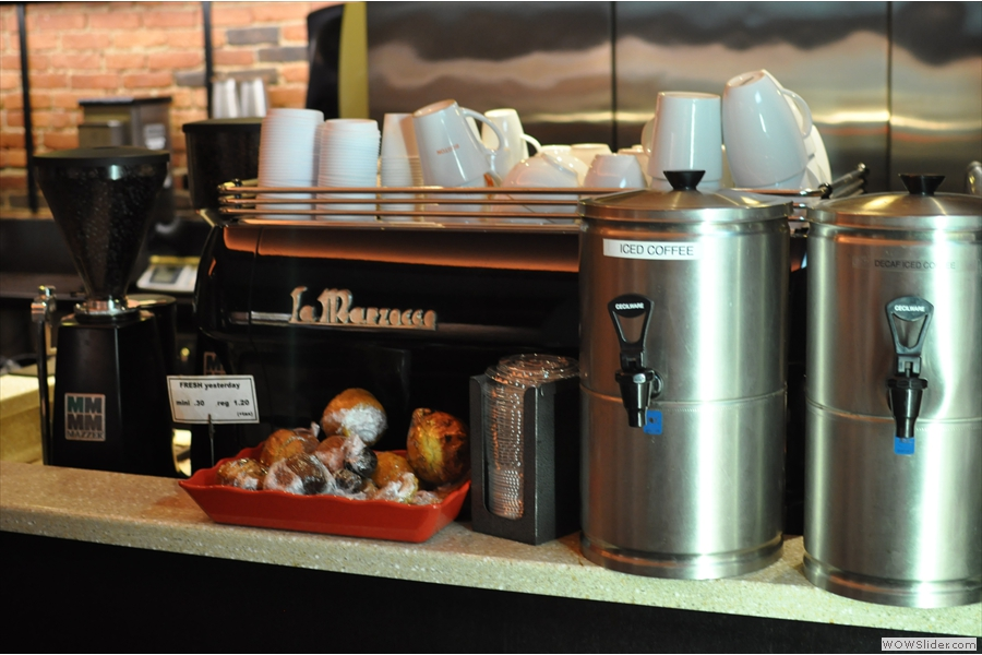 And finally, for the purists such as myself, we have the espresso machine. We shall quetly ignore the iced coffee to the right...