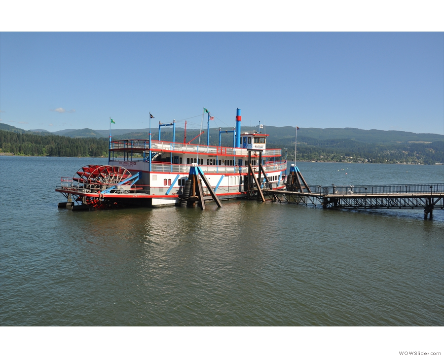 There's an old-style paddle steamer here which does trips on the river.