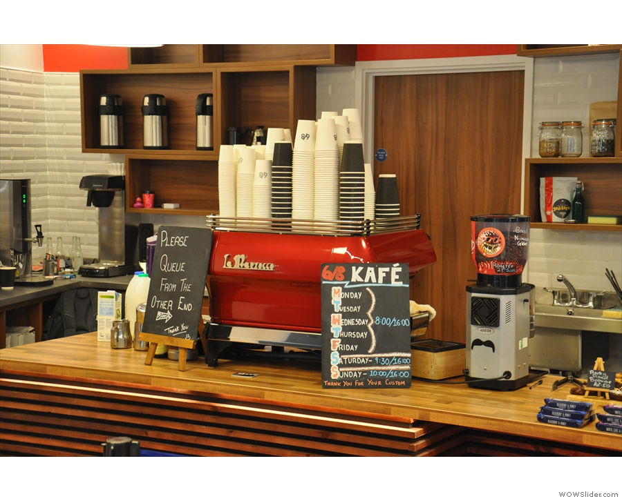 ... and finally, grinder & espresso machine. Plus, if you came in the wrong way, a handy sign.