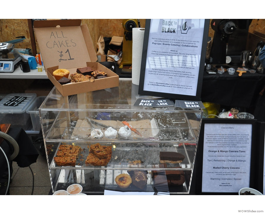However, this is what actually drew me to the stand: all cakes, £1. Music to my ears!
