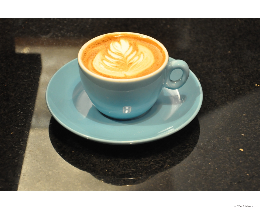 And just to prove Pave has cups, a flat white for another customer.