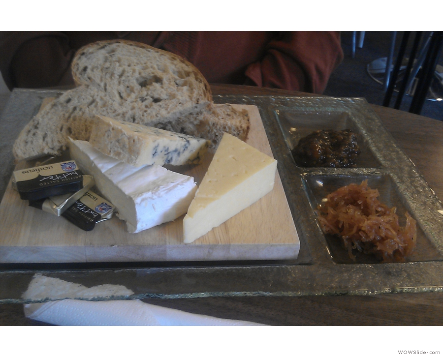 ... while my friend Lise had the cheeseboard.