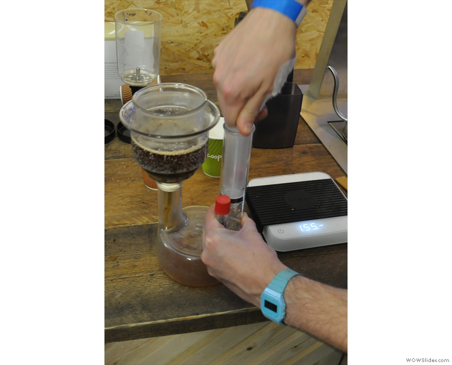 This enables you to control exactly when the brewing stops and the coffee is filtered out.