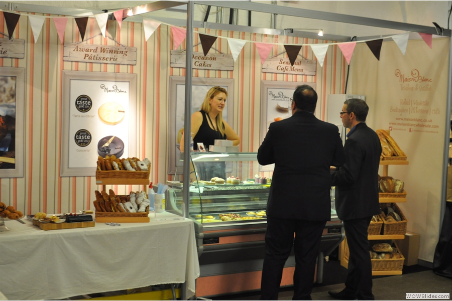 Maison Blanc is also there, tempting people with delicious cakes...