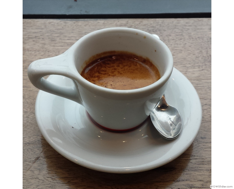Gasoline Alley, Grand Street, pulled the most amazing shot of Intelligentsia's Black Cat blend.