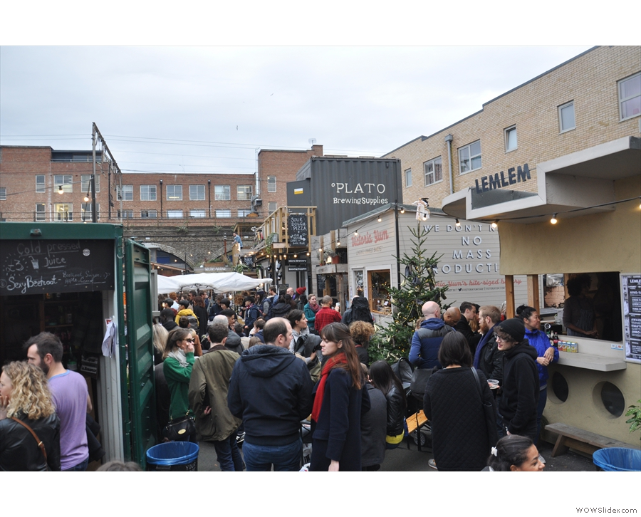 The rest of the market (on the Saturday before Christmas) looks a tad crowded...