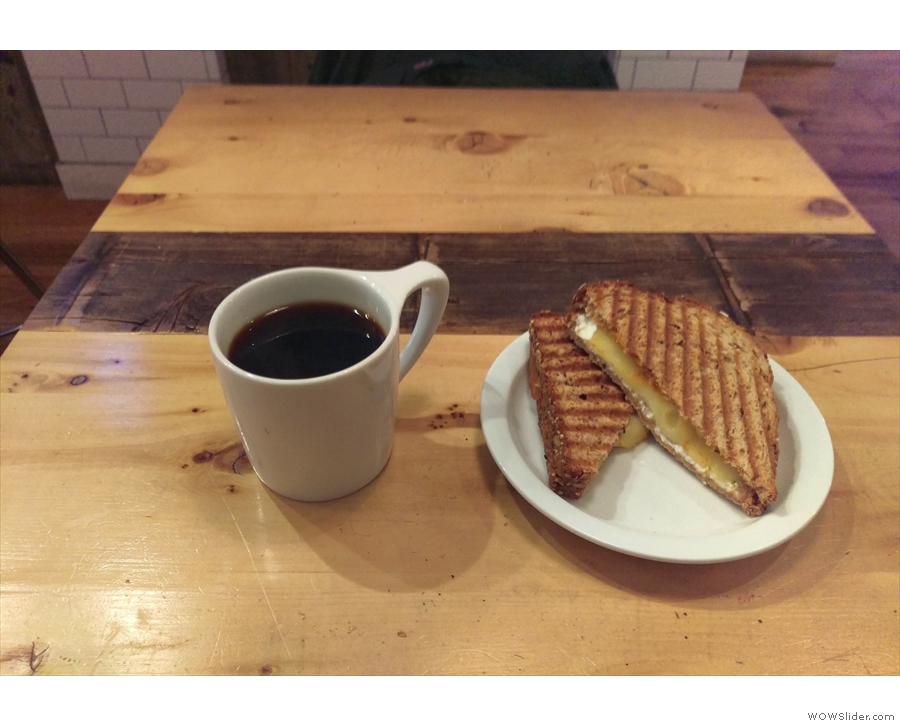 It was lunchtime, so I had kunch, a very fine sandwich, and a pour-over.