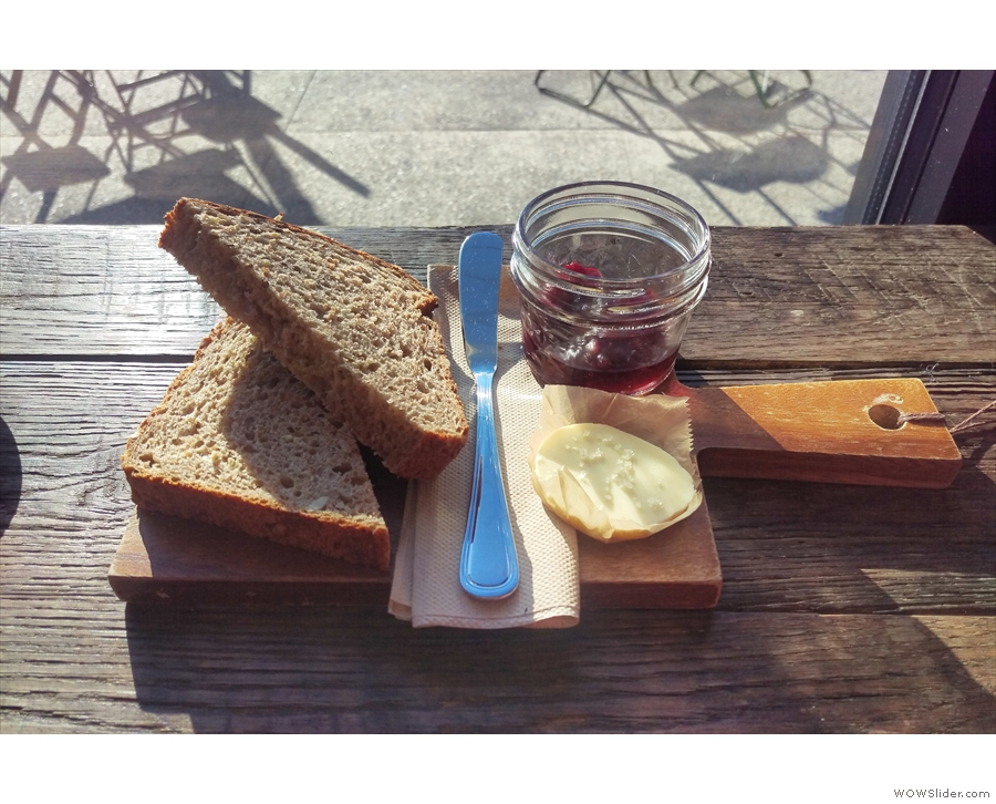I had toast for breakfast. On a wooden platter (sorry, plate-liking friends).