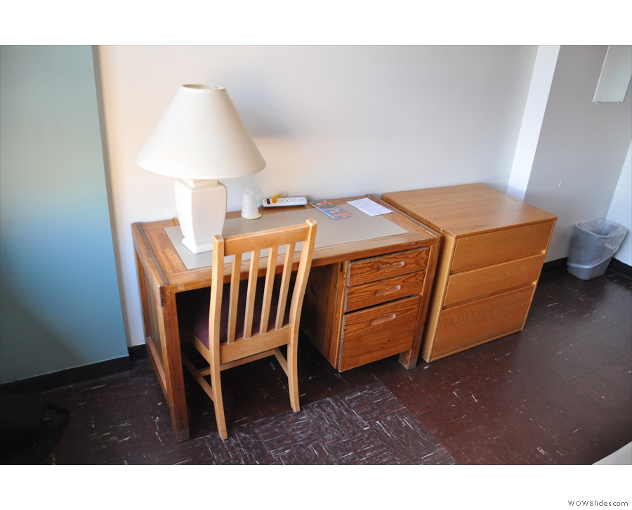 There was also a decent desk, something many (more expensive) hotels lack.