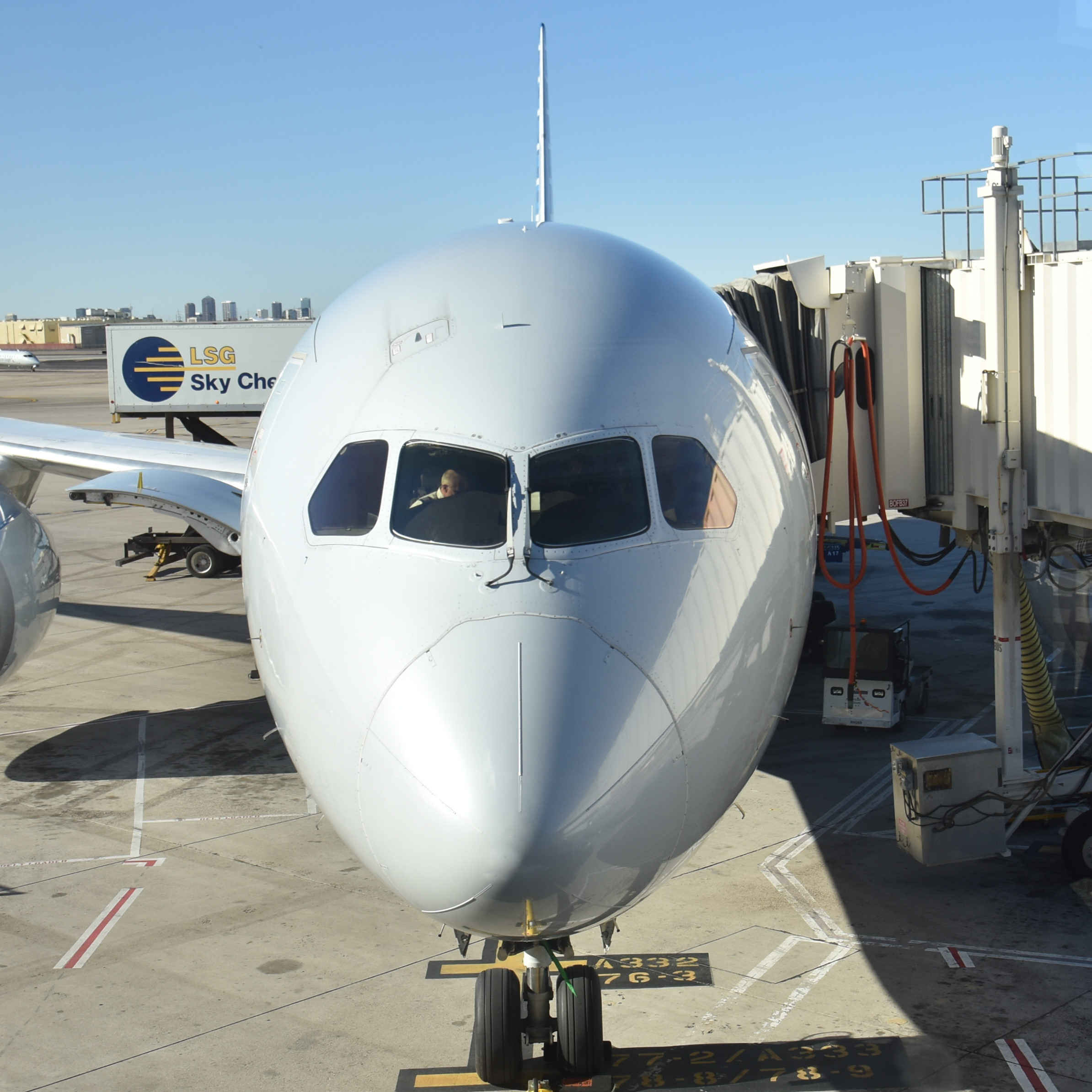 My American Airlines Boeing 787-800, by far the nicest plane I've flown on for an internal flight in the USA, at the gate in Phoenix Sky Harbour Airport, a mere three hours before it eventually took off!