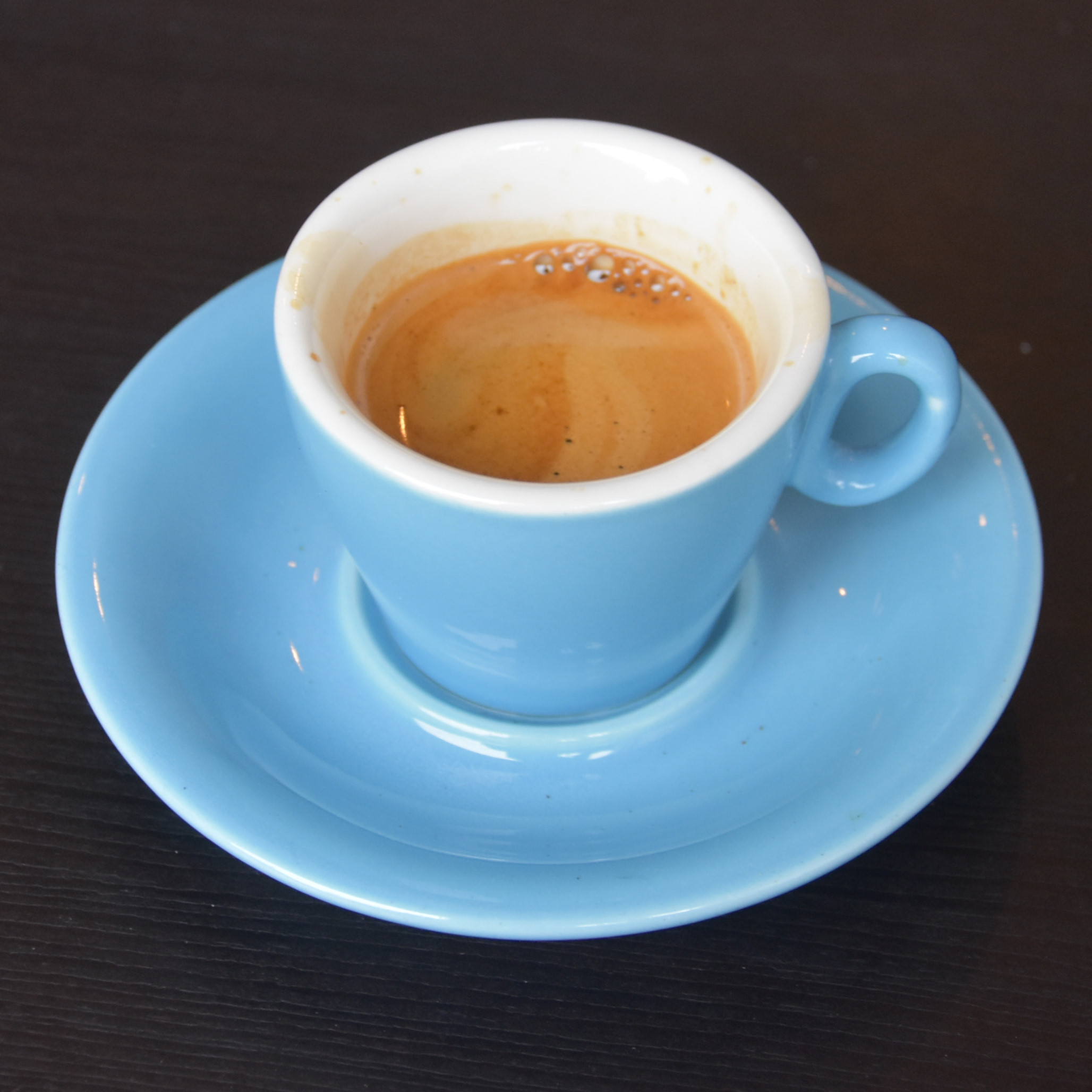A lovely espresso in a classic blue cup, made using the Curved Brick seasonal espresso blend, served at Froth & Rind in Walthamstow.