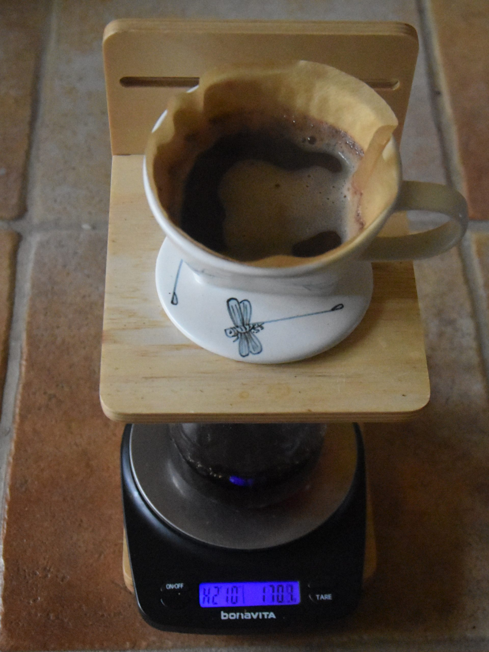 My handmade ceramic filter from Vietnam midway through the top-up pour on my Osaka stand.
