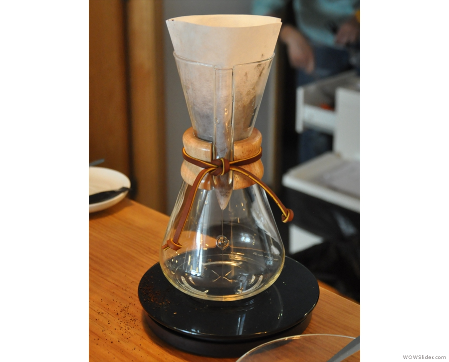 My friends joined me later that afternoon: a good excuse for more coffee! This time: Chemex