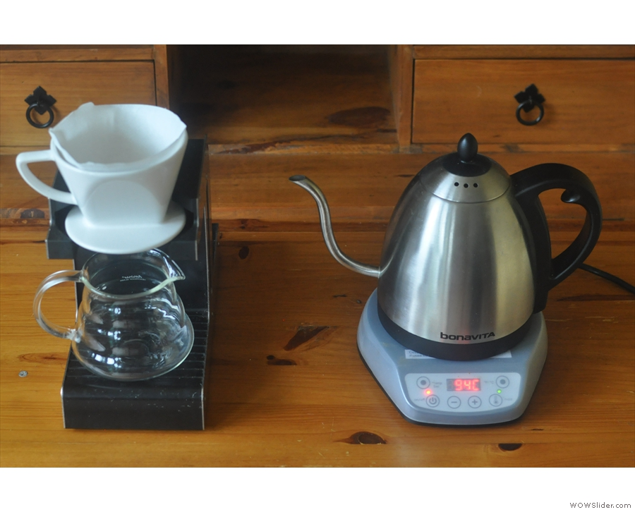 However, the gooseneck's pouring control is most noticeable when it comes to a pour-over.
