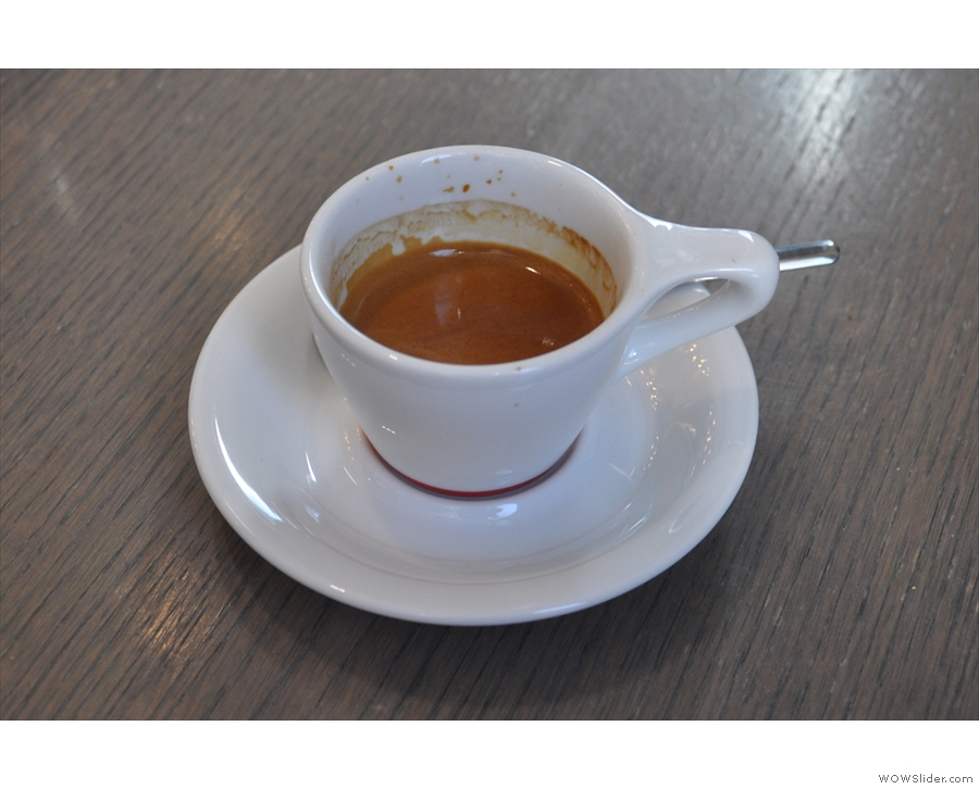... which produced this shot of the classic Black Cat espresso blend.