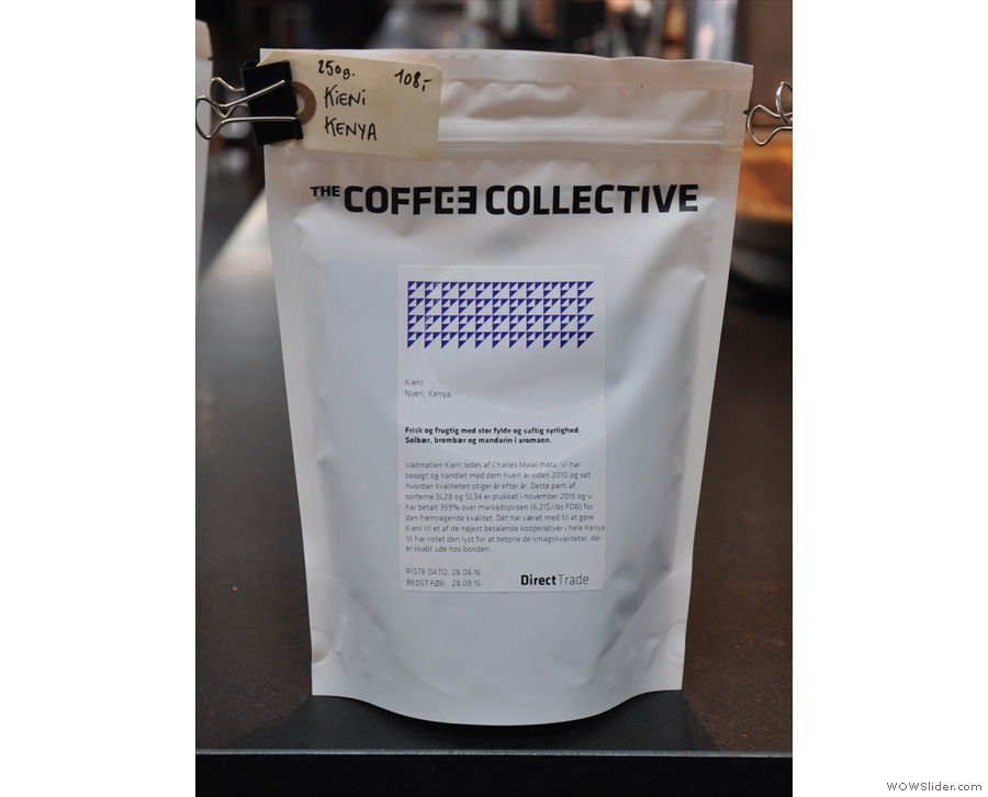 ... while I bought a bag of this to take home as a gift for Surrey Hills Coffee.