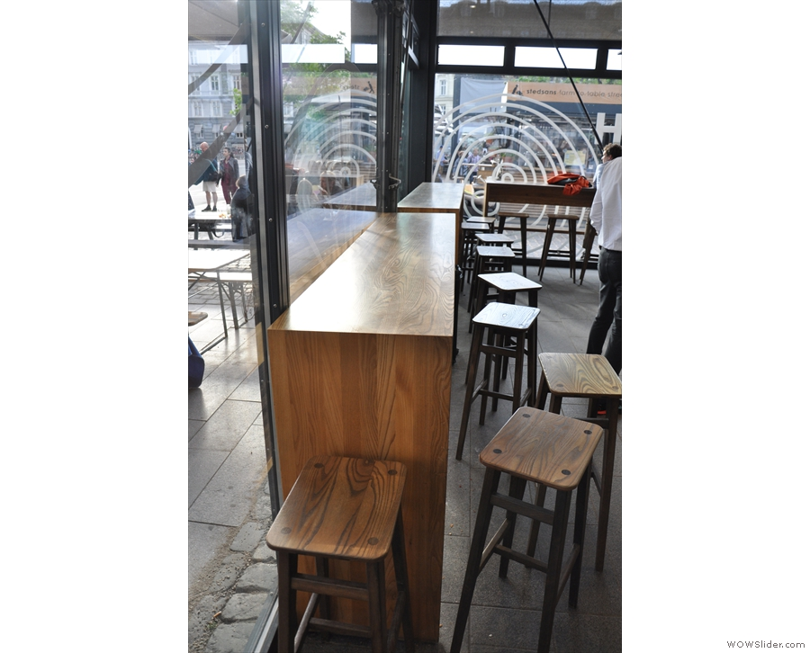 There's a little bit of seating here, in the shape of two window-bars opposite the counter...