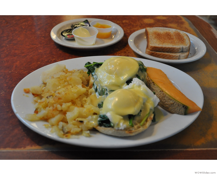 My 'usual': eggs florentine with a side of toast from my most recent visit.