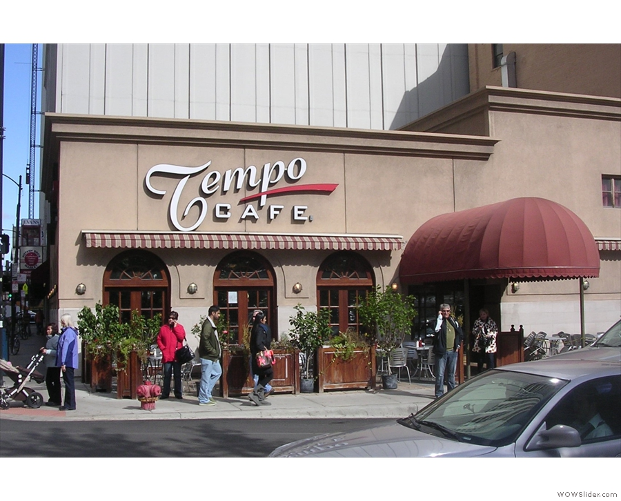 Just to show that nothing (much) has changed, this is Tempo Cafe in 2009...