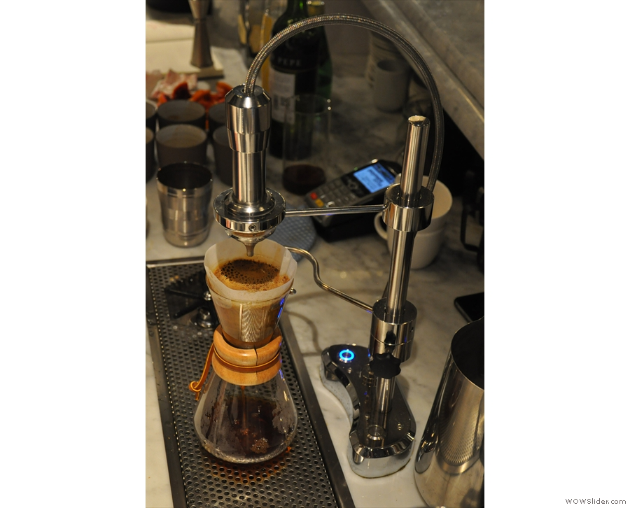 Preparing a chemex for one at Modern Society using the Modbar's Pour-over Module.