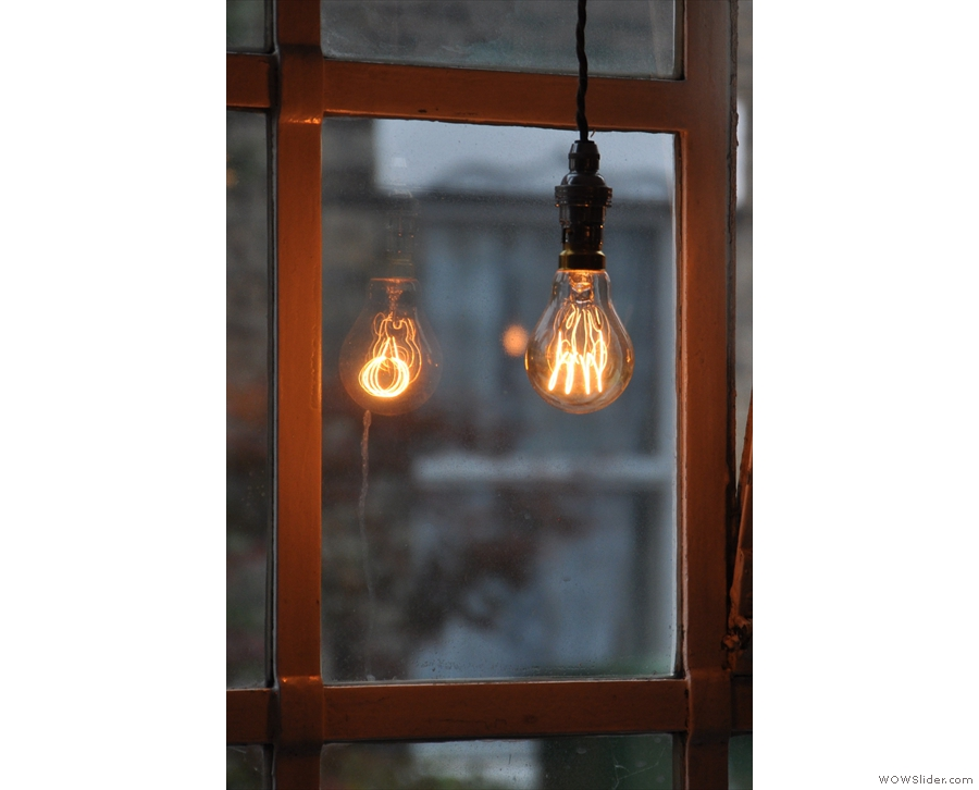 Back in 2014, there were plenty of bare bulbs as well, including this one in the window...