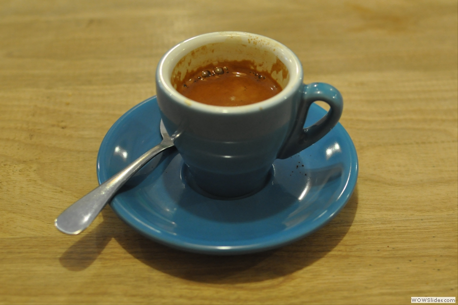 So, down to business. My espresso came in this very fine blue cup...