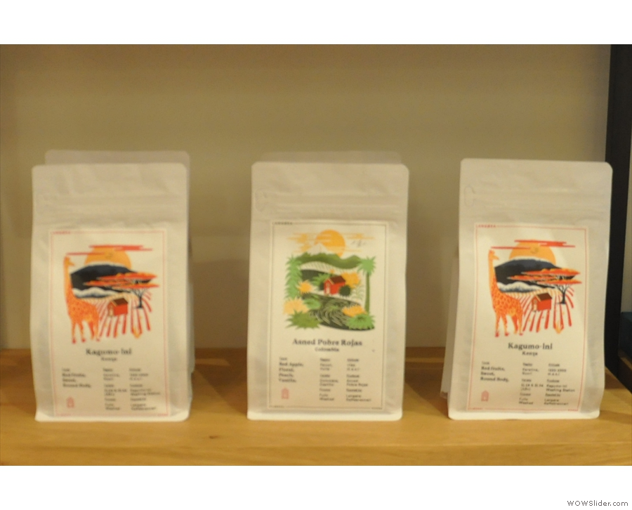 You can also buy the coffee beans. Here are some from Langøra.