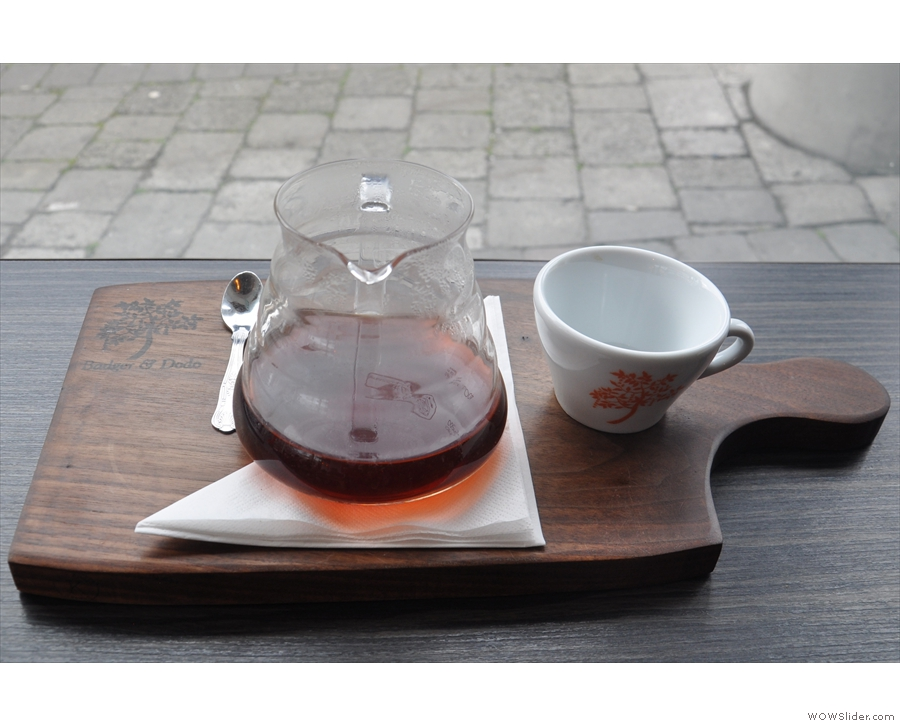 I followed this up with a V60 of the filter coffee, served in a carafe with a cup on the side.