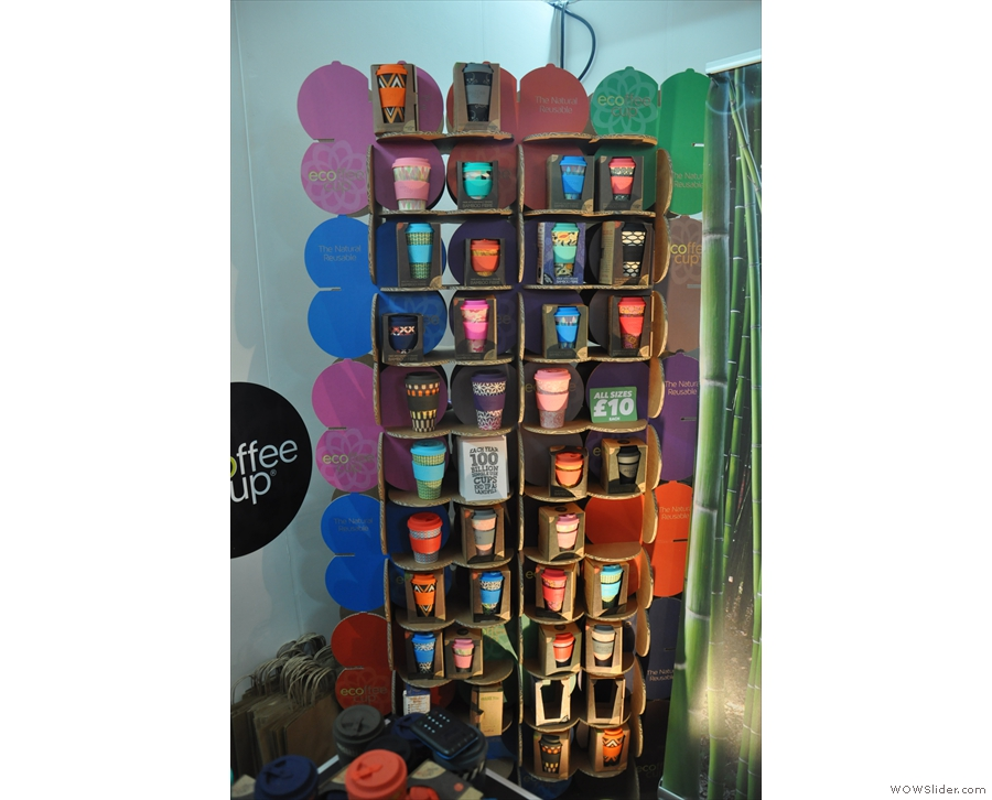 The colourful Ecoffee Cup is made of bamboo fibre.