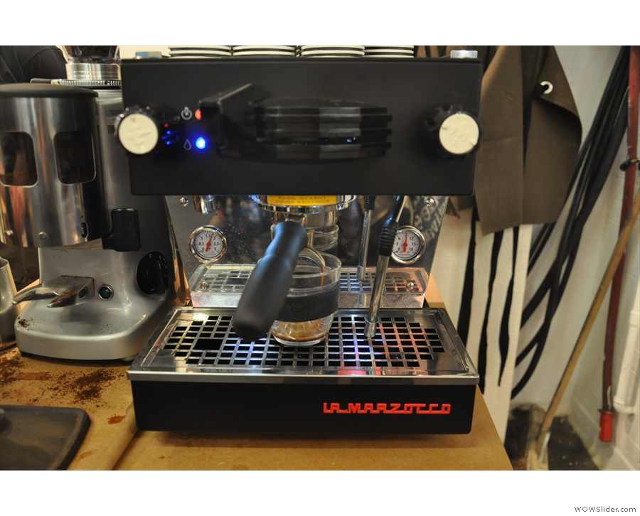 Now to make the coffee. To be honest, the La Marzocco Linea Mini makes it rather easy.