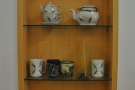 ... to smaller pieces in this neat, inset set of shelves.