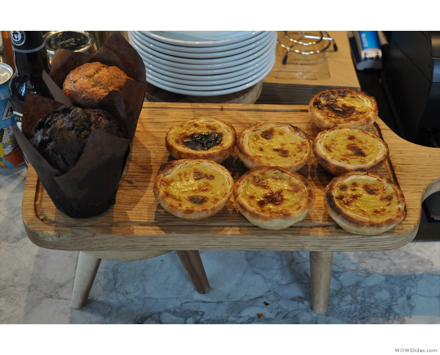 There are also cakes, including these rather lovely-looking pastel de nata.