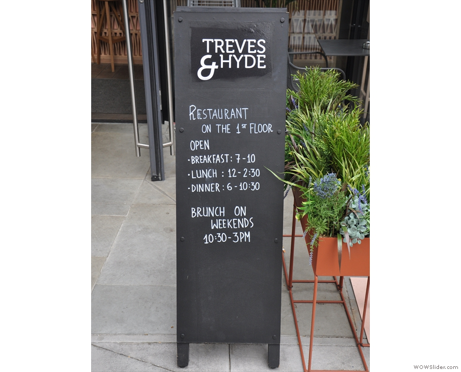 Meanwhile, the sitdown restaurant part of Treves & Hyde is on the first floor...