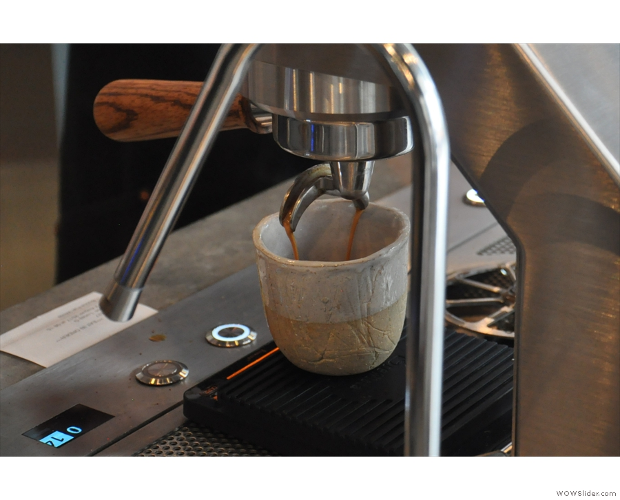 I love watching espresso extract, and the Mavam makes this very easy.