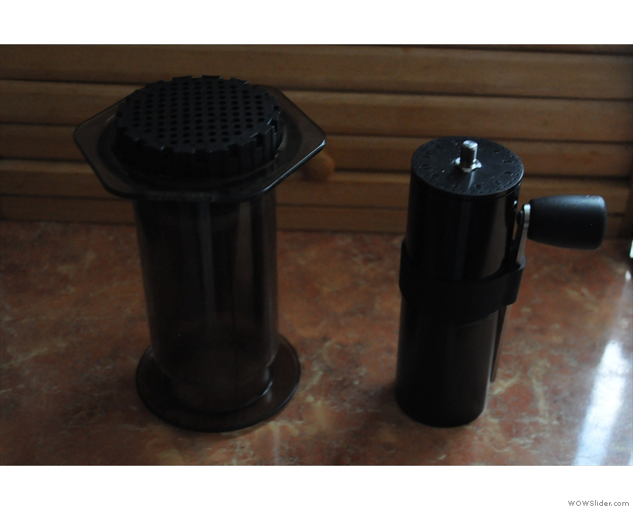 More size comparison: the Aergrind next to an Aeropress.