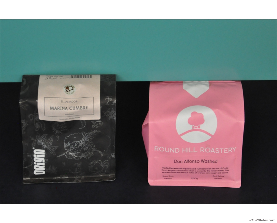... while you can also take a look at the actual bags for the two options on espresso.