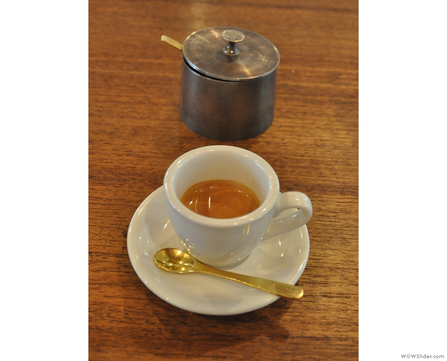 ... which I paired with an espresso of the house-blend. Neat sugar pot!