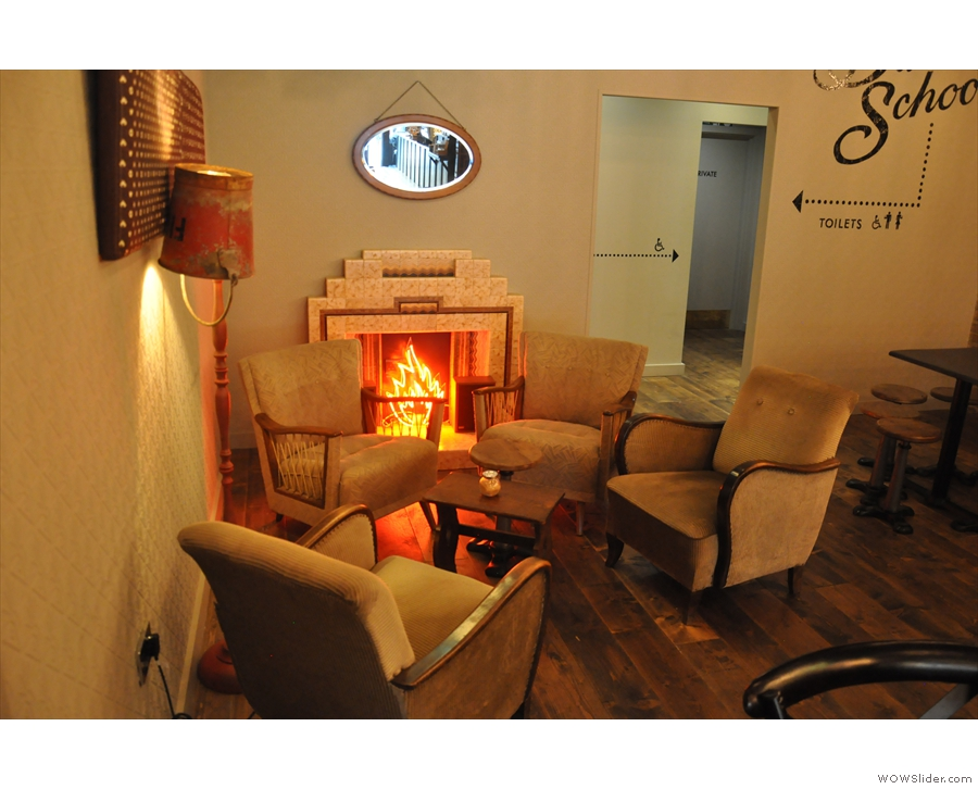 ... thiings narrow at the back, where you'll find, on the left, this cosy seating area.