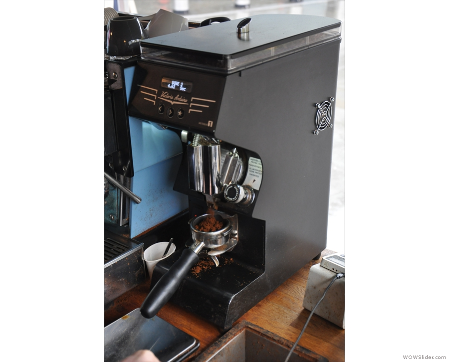 ... then grind your dose. Despite the automated dosing of the Mythos 1...