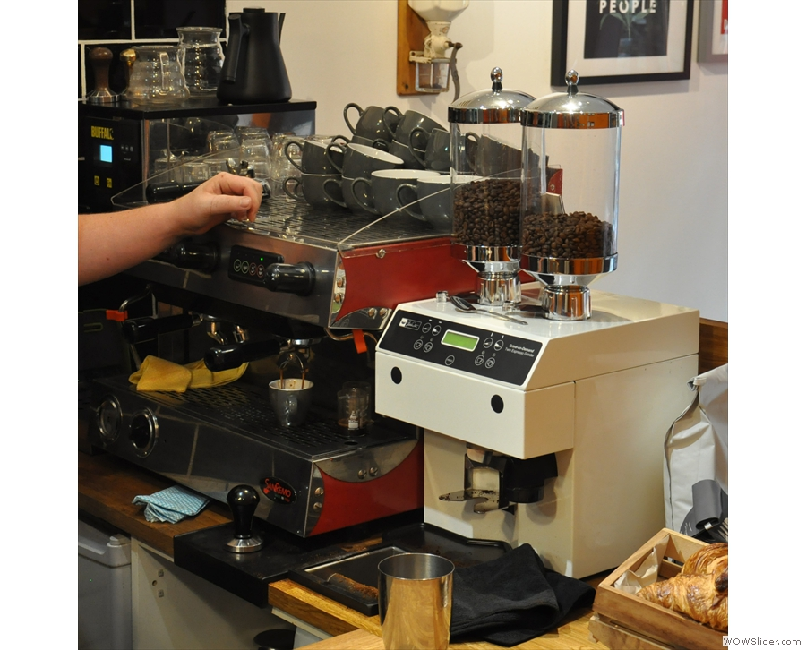 ... with a very interesting dual-hopper grinder that I'd not see the like of before.