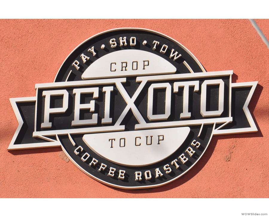 A helpful sign on the wall both explains Peixoto's philosophy and how to pronounce it!