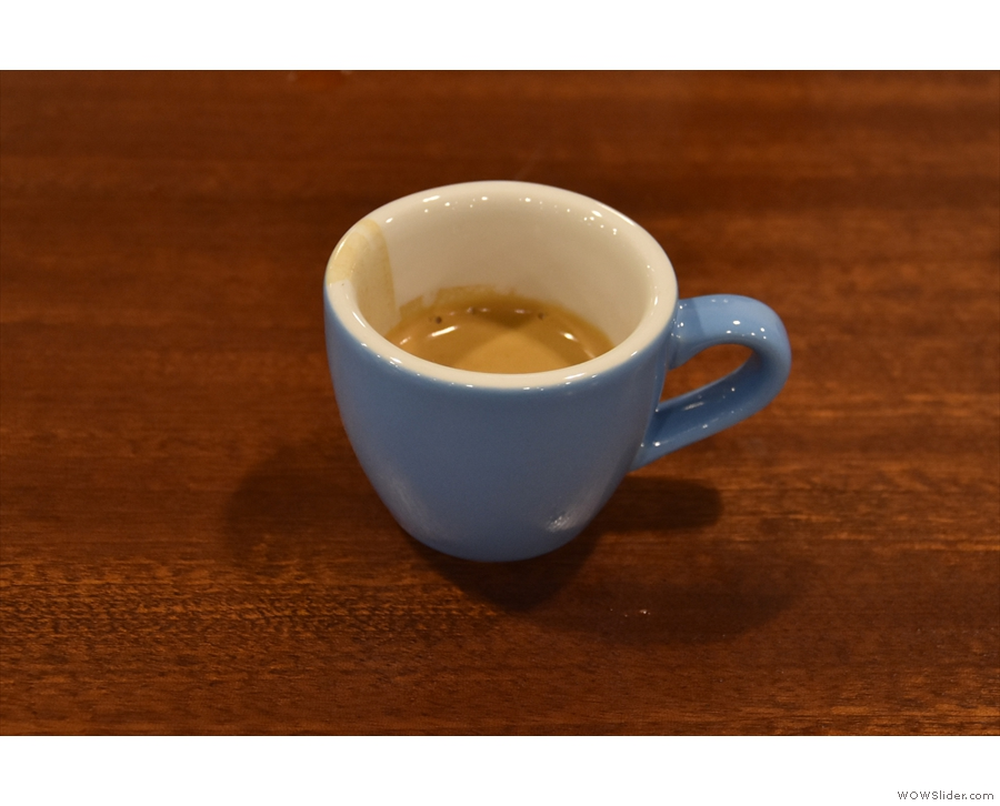 I returned to have the last of the Onyx Colombia single-origin as a split-shot: espresso...