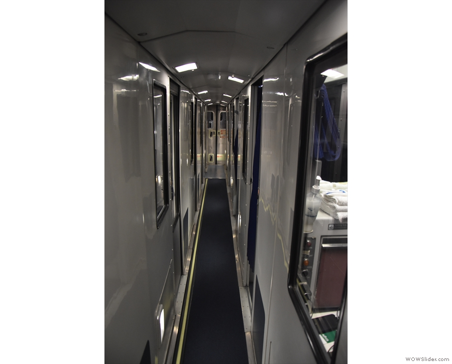 Following the suites, the corridor runs along the centre of the carriage.