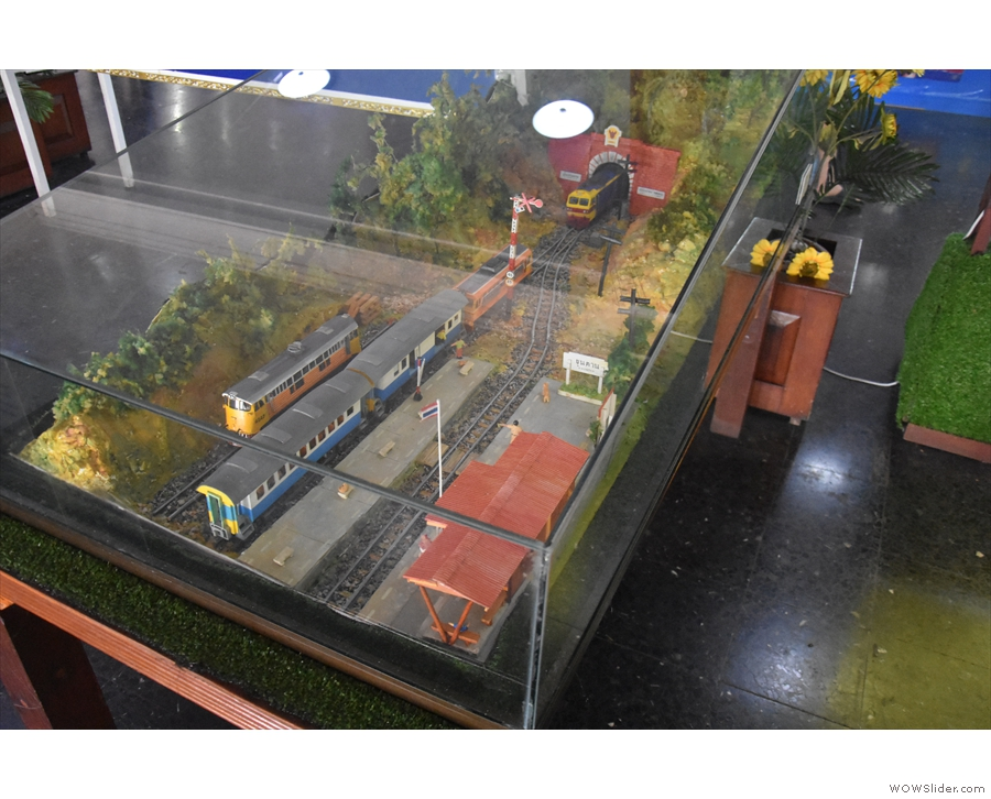 ... which has several neat features, including this diorama of a train station & tunnel.