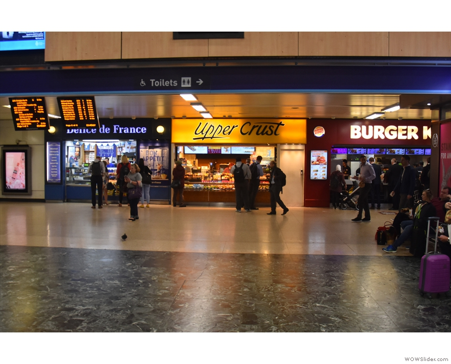 There are also takeaway food options opposite the mezzanine by the platform entrances.