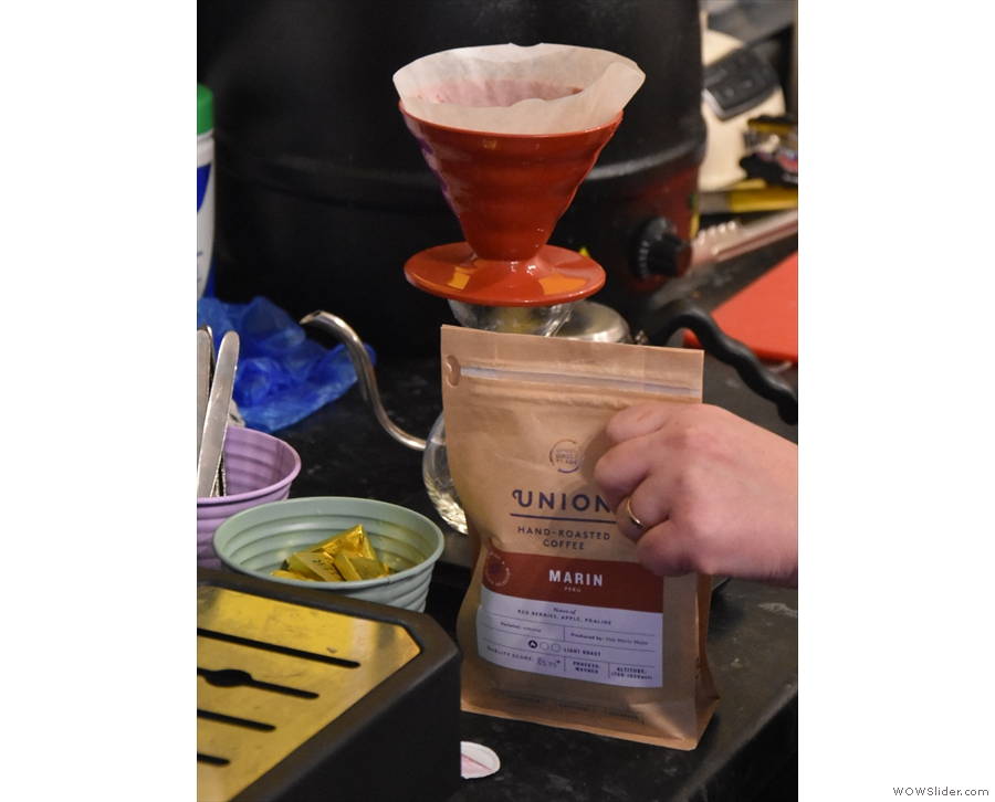 We're trying a Peruvian single-origin from Union through the V60.