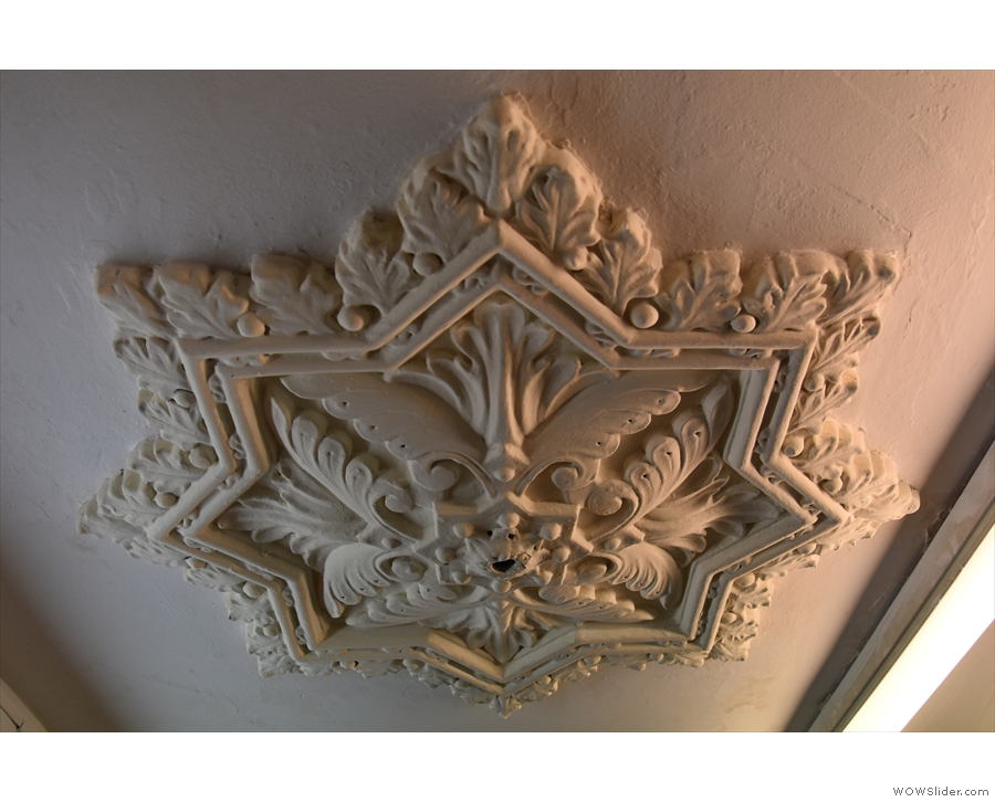 The fireplace aside, this ceiling rose is my favourite feature.