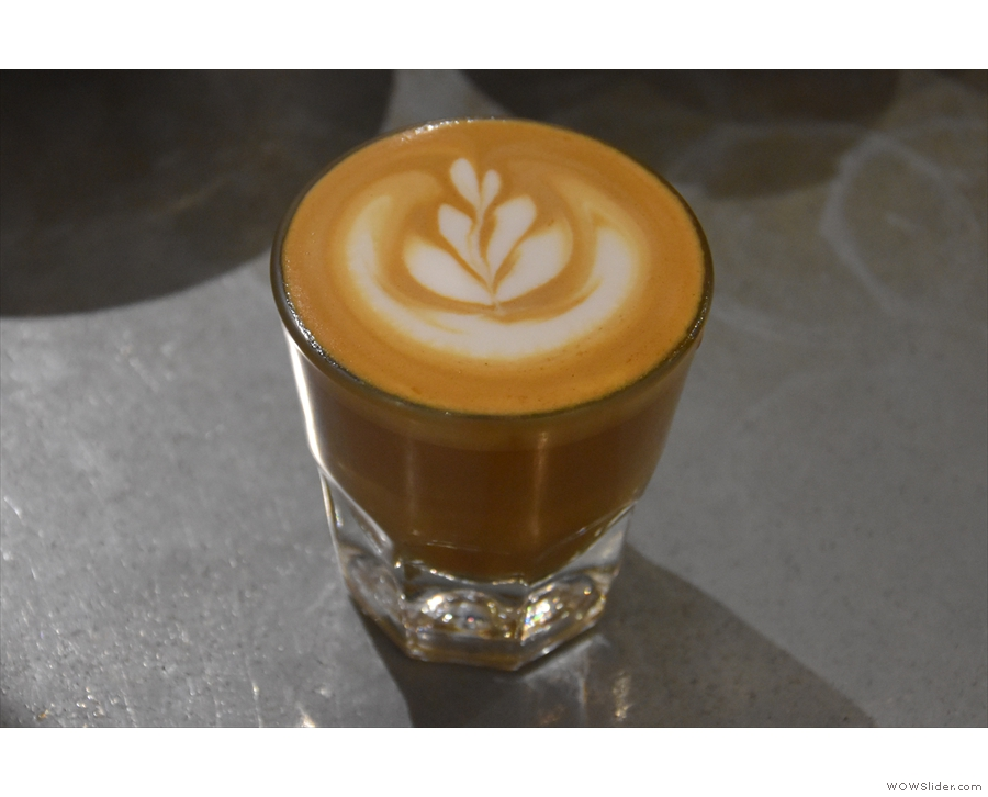 I also tried it in milk, in a cortado, served in a glass.